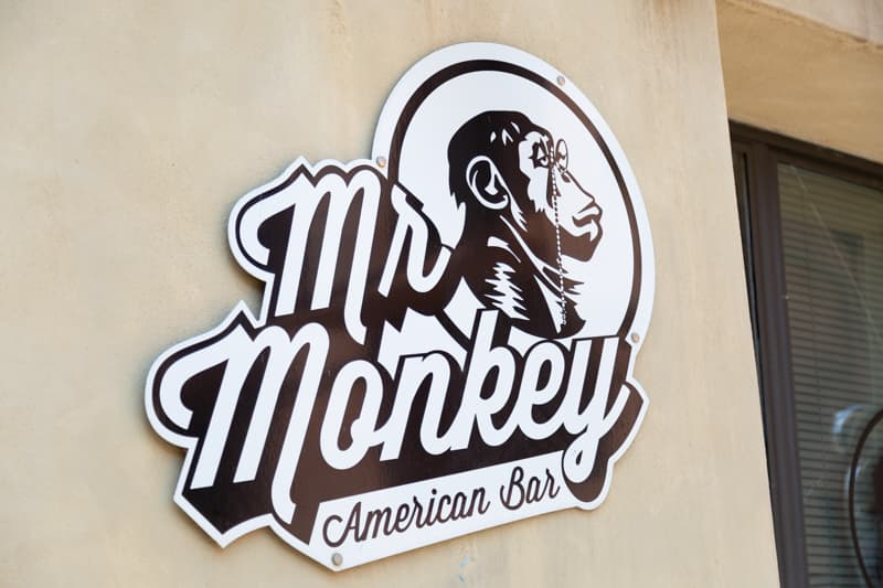 Mr Monkey Pub American Bar